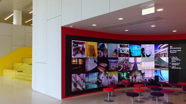 Hunt Library Immersion Theater_credit flickr Payton Chung